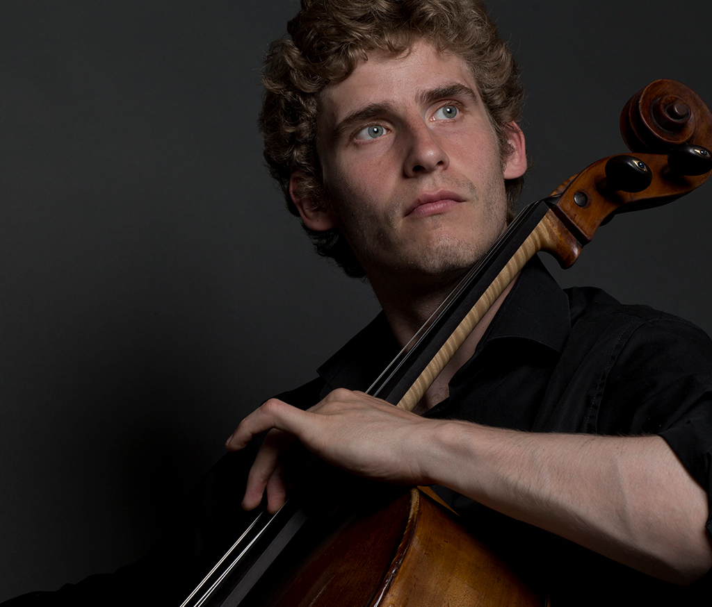 Helt klassiskt: Andreas Brantelid spelar Bachsviter